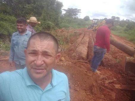 Prefeitura recupera ponte do igarapé no final do asfalto ramal dos paulistas