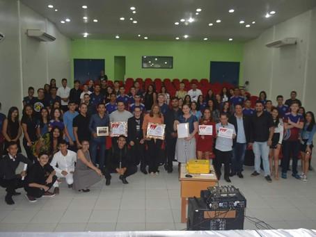 Escolas têm trabalho reconhecido e recebem homenagens da Casa Legislativa de Tarauacá