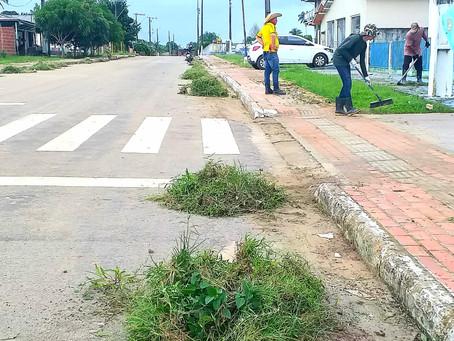 Prefeitura de Rodrigues Alves junto com equipe de limpeza trabalham para manter a cidade limpa
