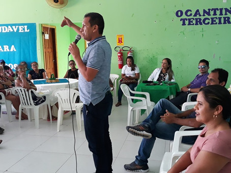 Prefeito Isaac Piyãko junto com vice Valdélio Furtado celebra com amigos da terceira idade