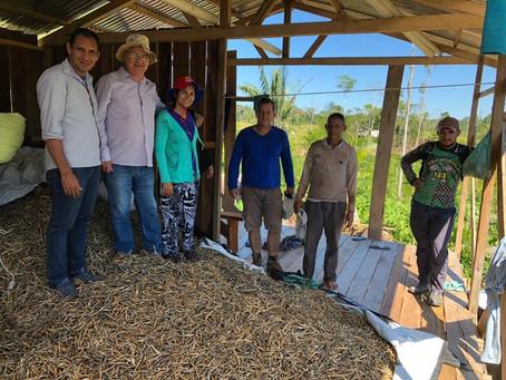 Vice-Prefeito Valdélio Furtado acompanha pesquisadores da Embrapa em visita a produtores de feijão
