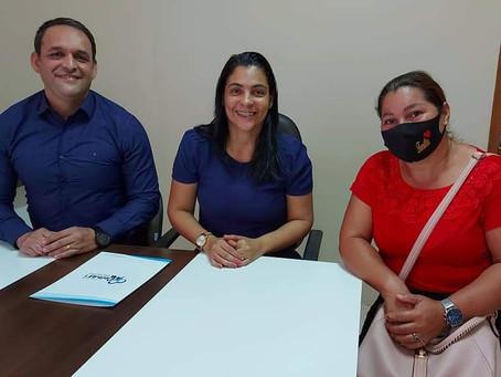 Prefeita Rosana Gomes assina a contratação de selecionados em Processo Seletivo