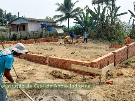 Prefeitura de Manoel Urbano inicia construção da casa de apoio indígena