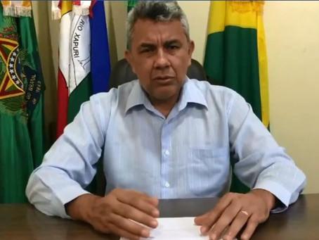 Prefeito Bira Vasconcelos tranquiliza pessoas que tiveram contato com falecido suspeito de covid
