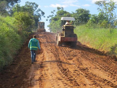 Prefeitura de Brasiléia realiza melhorias no ramal São Pedro Km 47