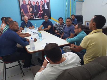 Prefeito Sebastião Correia recebe ministros da AMEACRE