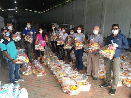 Prefeitura de Rodrigues Alves prepara kits de alimentação para estudantes de escolas municipais