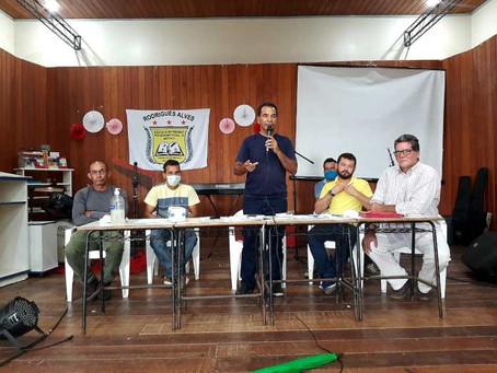 Prefeito Jailson Amorim, em parceria com o Incra, se reúne com os produtores