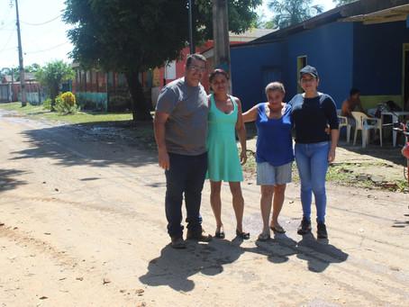 Prefeitura de Brasiléia realiza limpeza dos bairros atingidos pela enchente e entrega kits de limpe
