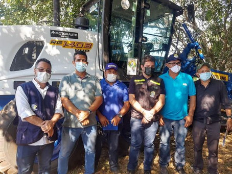Prefeito Tanizio Sá participa de ato para entrega de maquinários para reaberturas de ramais