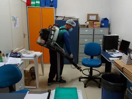 Administração municipal aproveitou o feriado para desinfectar todo o prédio da prefeitura
