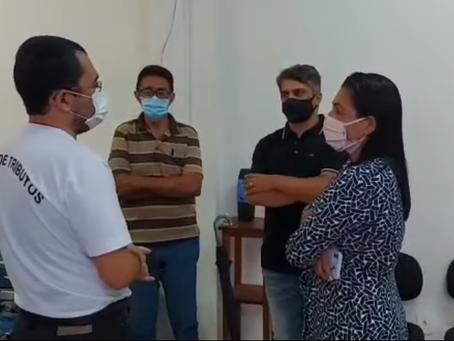Prefeita Rosana Gomes visita secretaria de obras e secretaria de saúde e reafirma compromisso