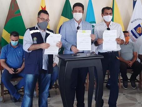Prefeitura de Porto Acre assina convênio com o Governo do Estado na  recuperação de ramais
