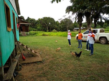 Equipe da Secretaria de Saúde orienta a população sobre Covid-19 em Xapuri