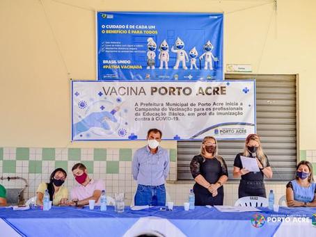 Prefeito abre imunização contra covid-19 para trabalhadores da educação em Porto Acre
