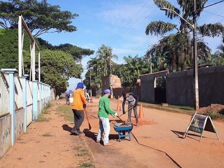 Prefeitura continua trabalho de retirada de entulhos em vários bairros do Quinari