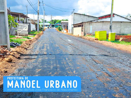 Mais uma rua em fase final de preparação para receber o asfalto