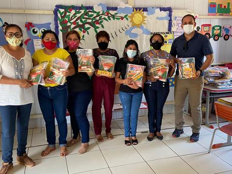 Secretaria de Educação atende alunos da zona rural e leva Kits Escolares