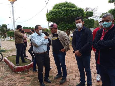 Jovens buscam imunização contra a covid-19 em Xapuri e prefeitura comemora
