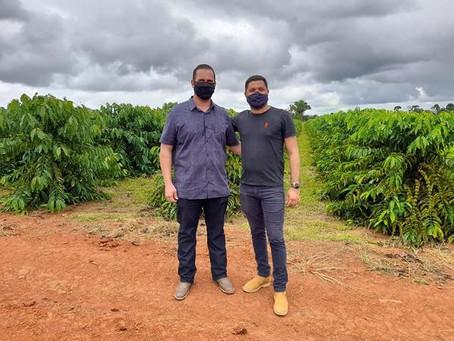 Presidente da Câmara participa da caravana para conhecer o cultivo de café clonal em Acrelândia