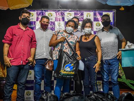 Prefeitura e Governo beneficiam 15 famílias de Brasileia