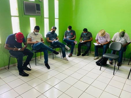 IDAF apresenta serviços a equipe de saúde municipal de Xapuri e autoridades