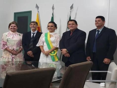Maria Lucinéia toma posse como prefeita de Tarauacá e prega o diálogo