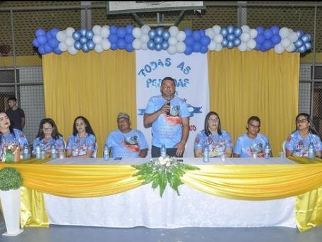 Prefeito Naudo Ribeiro e secretária Meire Sérgio comemoram o dia dos professores