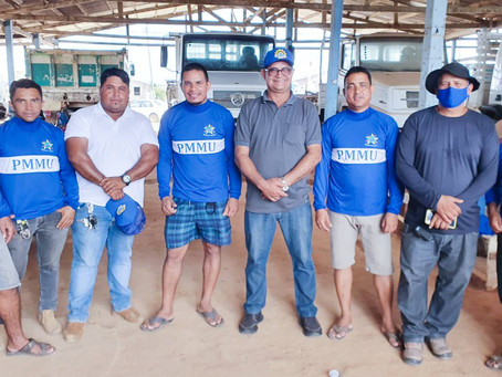 Funcionários da Secretaria de Obras de Manoel Urbano, recebem uniformes da gestão municipal