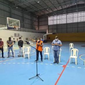Rio Juruá dá sinais de vazantes, mas ainda não é hora de voltar para casas