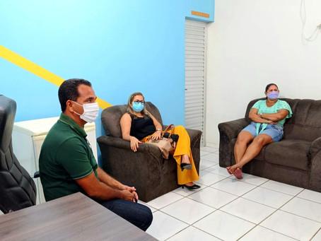 Prefeito Jailson Amorim se reúne com costureiras do nosso município de Rodrigues Alves