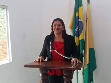 Cláudia reivindica a administração que não perca três emendas no valor de 1,8 milhão para educação