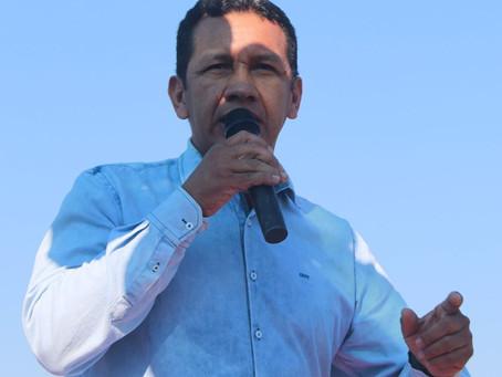 Prefeito Isaac Piyãko edital decreto de paralisação dos transportes aéreo e fluvial