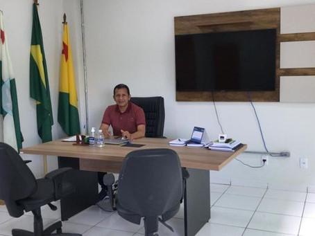 Prefeito Isaac Piyãko começa atender nova sede do executivo municipal de Marechal Thaumaturgo