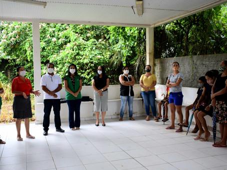 Famílias de Baixa Renda Recebem Sacolão de Produtos Agrícolas em Rodrigues Alves