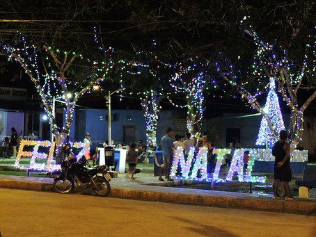 Prefeitura acende luzes de Natal