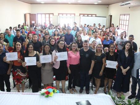 Prefeita Fernanda Hassem empossa novos conselheiros tutelares de  Brasiléia