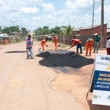 Prefeitura beneficia mais de meio quilometro da Rua José Pereira Gurgel com operação tapa-buraco
