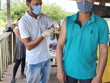 Mais de 1.300 pessoas já foram vacinadas contra a COVID-19 em Xapuri