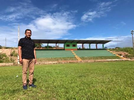 Prefeito visita obra de reforma da arquibancada do Estágio Arena Thaumaturgo