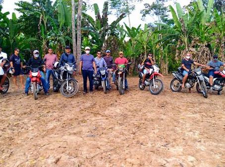 Prefeito Isaac e vice Valdélio juntos de secretários municipais realizam trilhas no ramal Crispim
