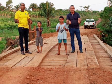 Prefeitura de acrelândia recupera ponte da linha 7 e atende os anseios dos moradores locais
