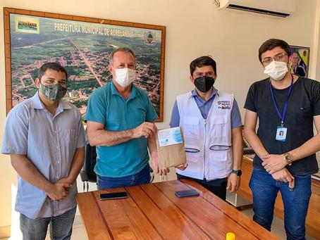 Prefeitura recebe de Deputado Estadual kits covid com máscaras e álcool em gel