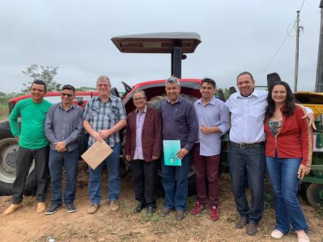 Prefeitura de Xapuri entrega maquinário agrícola a Associação de Produtores Rurais