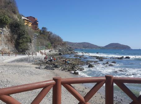 Zihuatanejo's April beauty