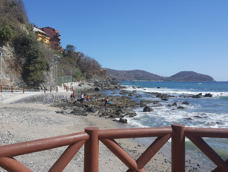 Zihuatanejo's April beauty