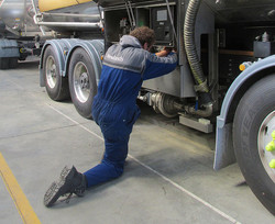 Truck-electrical-install2