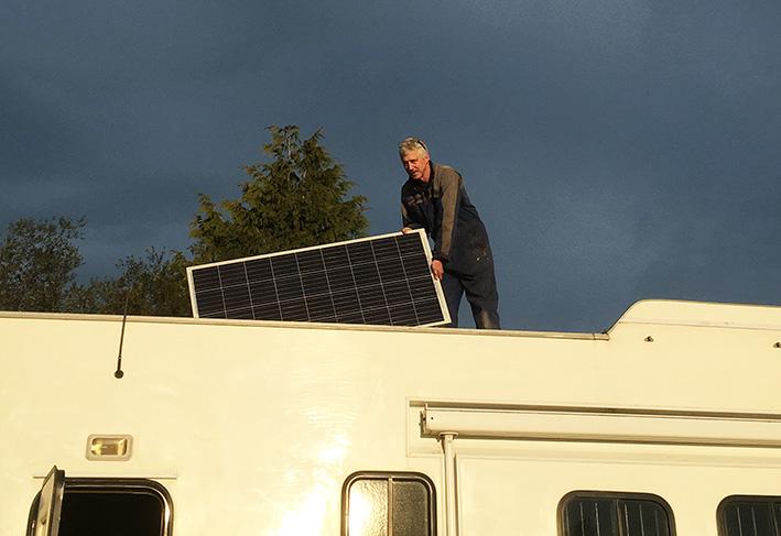 install-of-solar-panel