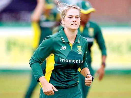 Van Niekerk Admits Being 'Tough' On Wife Kapp Over Favouritism Fears