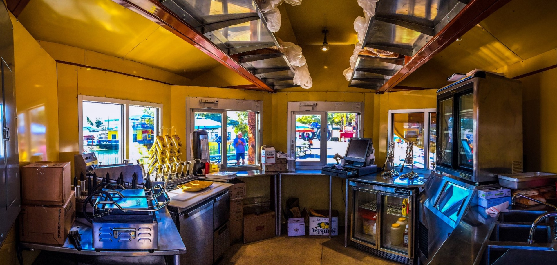 Honolulu Hot Dog Kiosk Fun Spot